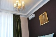 Kiev 13 Khreschatik Str 2 Room Apartment